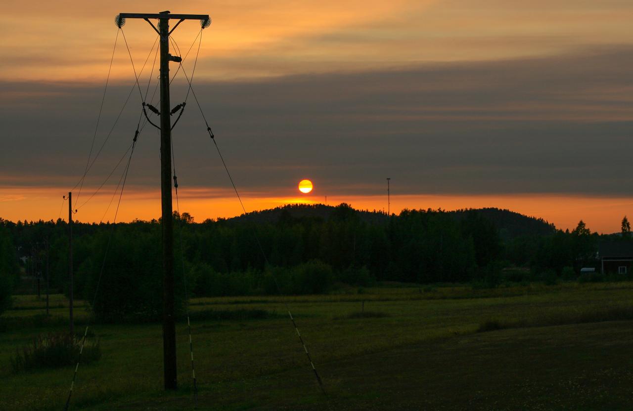 Solnedgång berg siluett